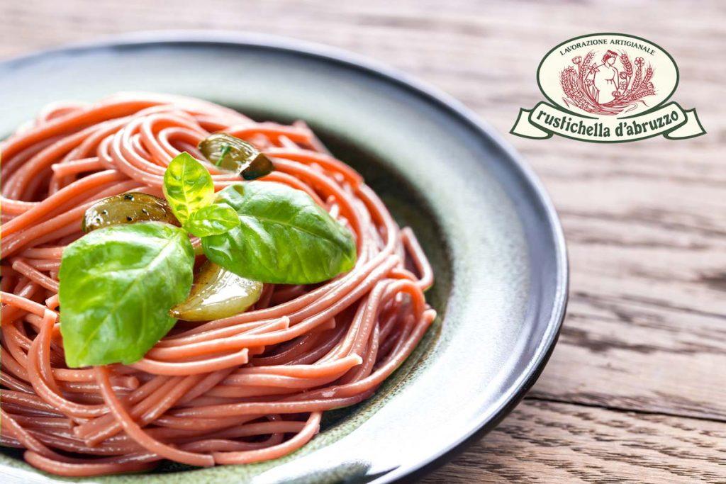 pasta, abruzzo, rustichella, peperoncino, aglio, olio, extra vergine, tonnarelli, basilico