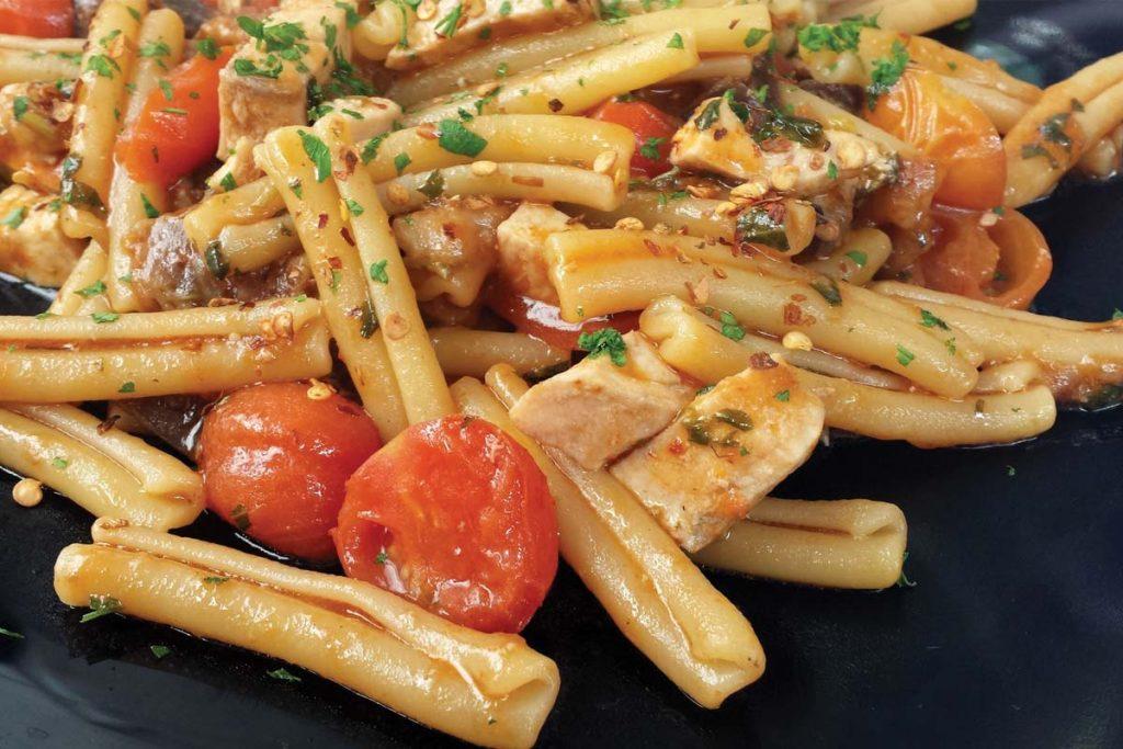 Casa Rustichella pasta al ceppo con pollo e pomodorini ricette