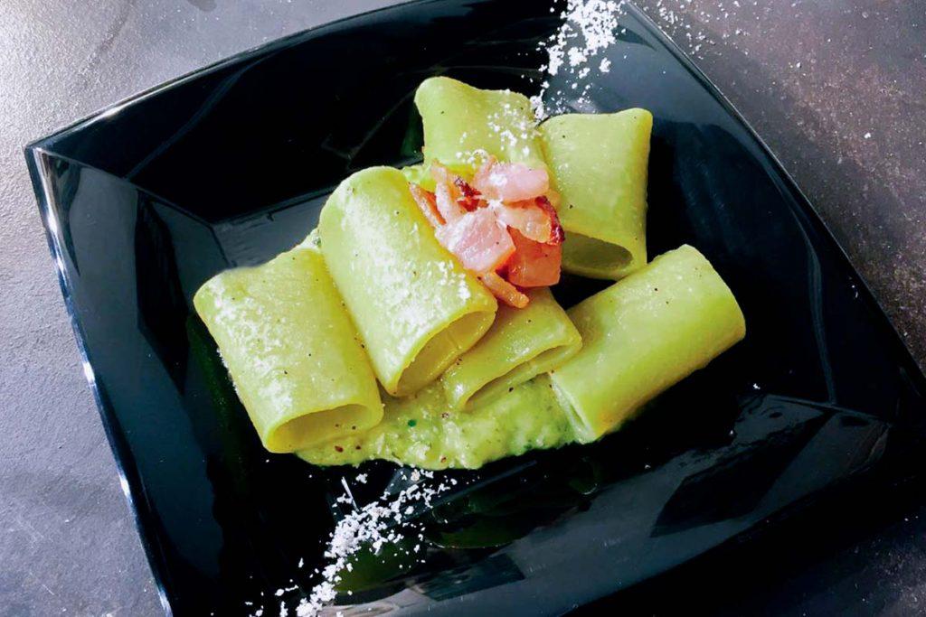 Casa Rustichella Paccherini al kiwi con guanciale croccante e vellutata di zucchine e kiwi ricette