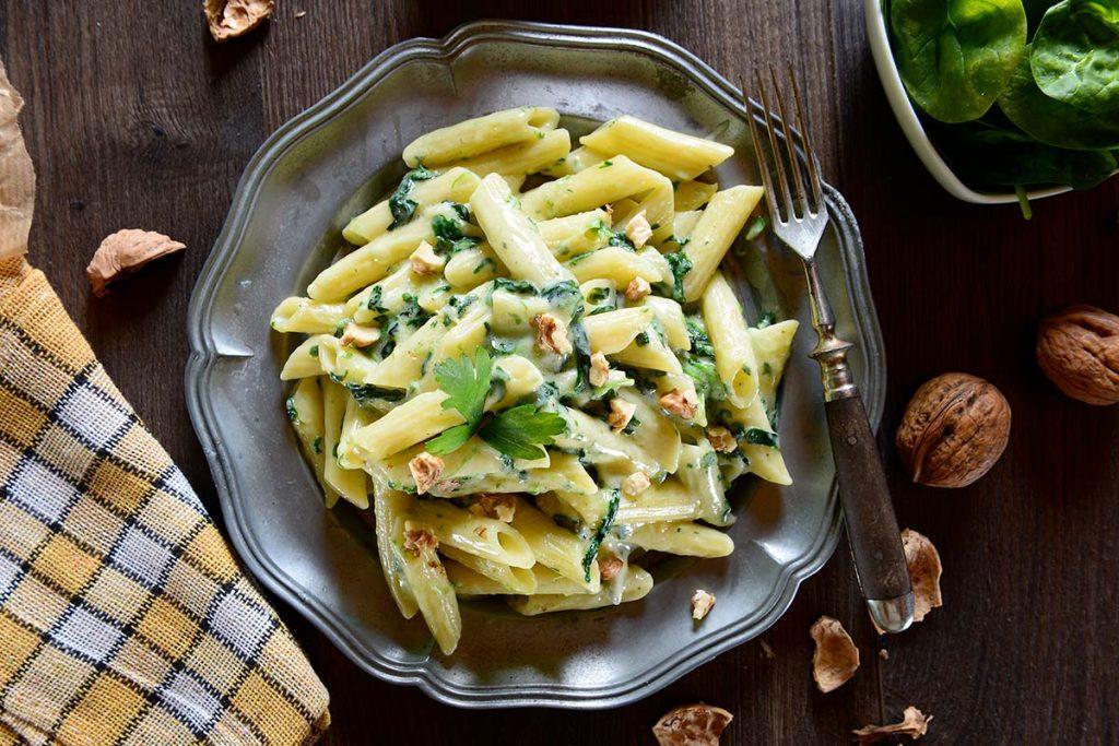 Casa Rustichella penne rigate spinaci gorgonzola e noci