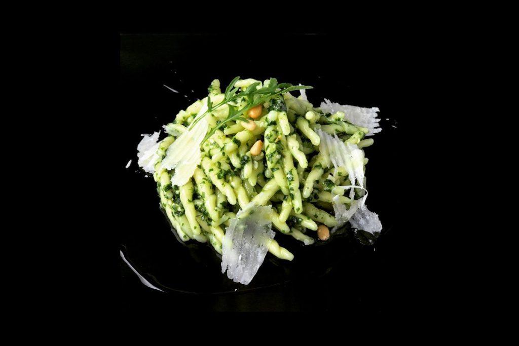 Casa Rustichella A tavola con gli chef Trofie al pesto di rucola di Deborah Dal Fovo ricette