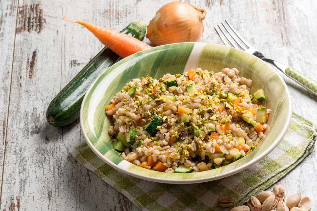 Casa Rustichella Insalata di farro con carote zucchine e pistacchi ricette