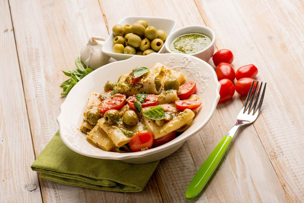 Casa Rustichella Paccheri Rustichella con Pomodorini Pesto e Olive verdi ricette