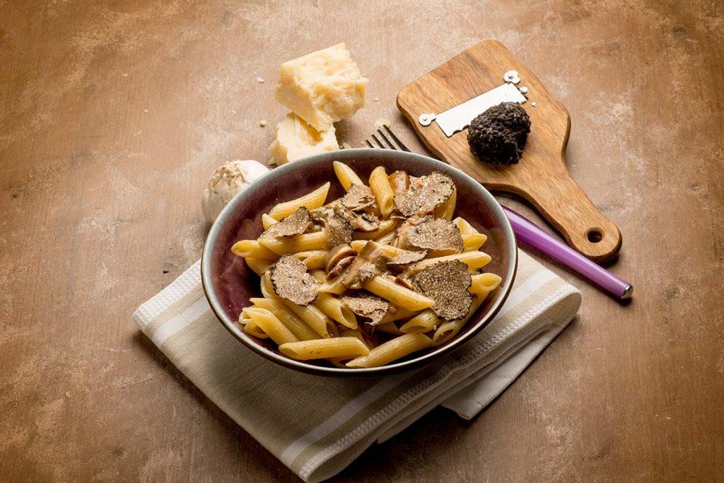 Casa Rustichella Penne Rigate con Funghi Champignon e scaglie di Tartufo ricette