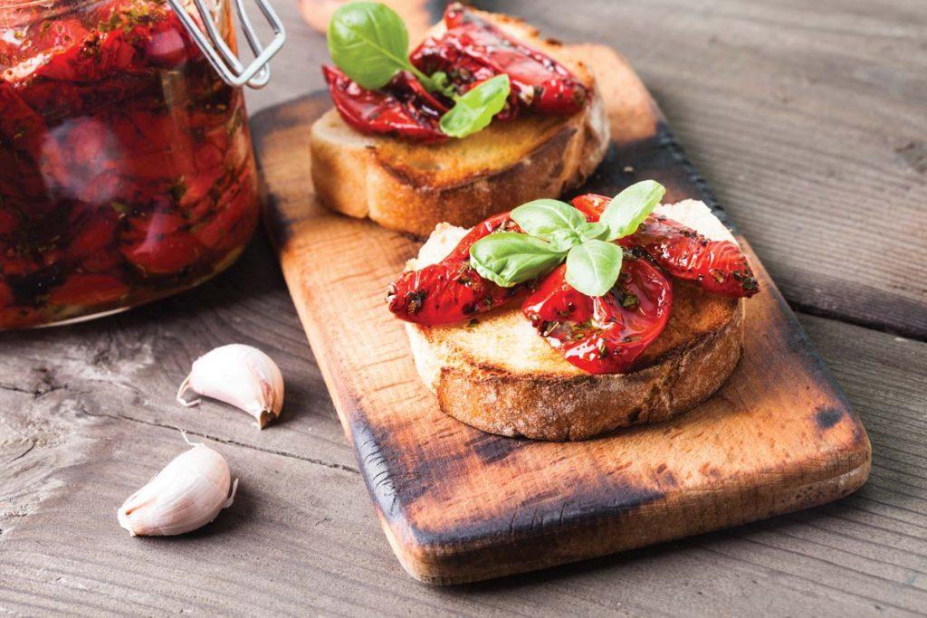 Casa Rustichella crostini con pomodori semisecchi ricette