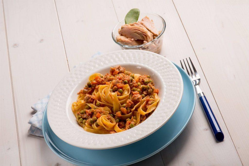Casa Rustichella Nidi di fettuccine con ragu di tonno piselli e carote ricette