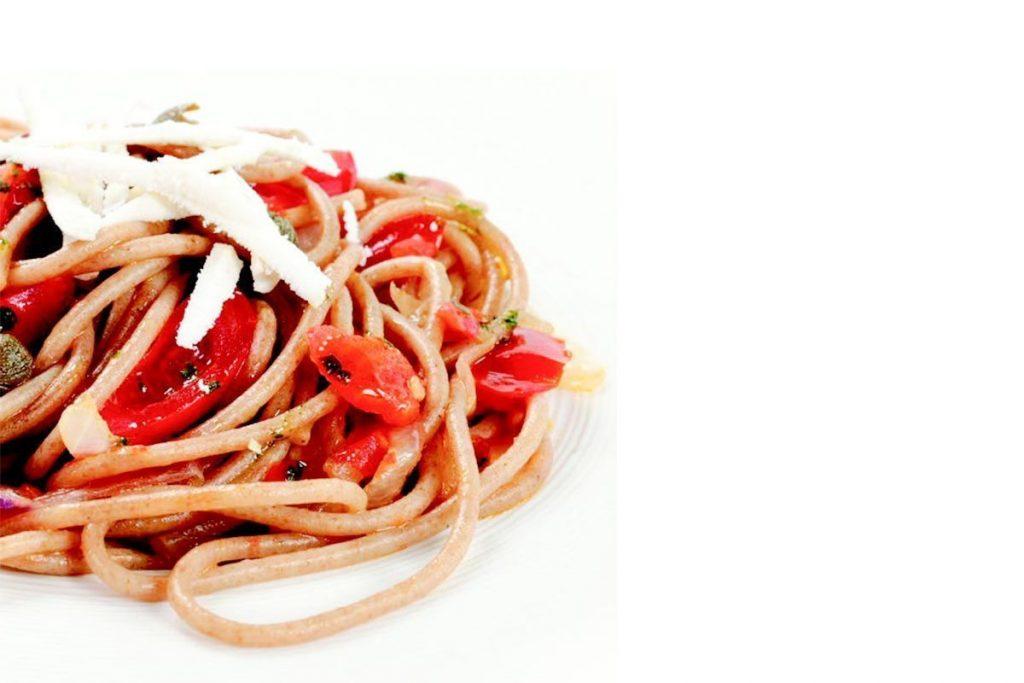 Casa Rustichella Spaghetti integrali Bio con pachino capperi e julienne di ricotta ricette