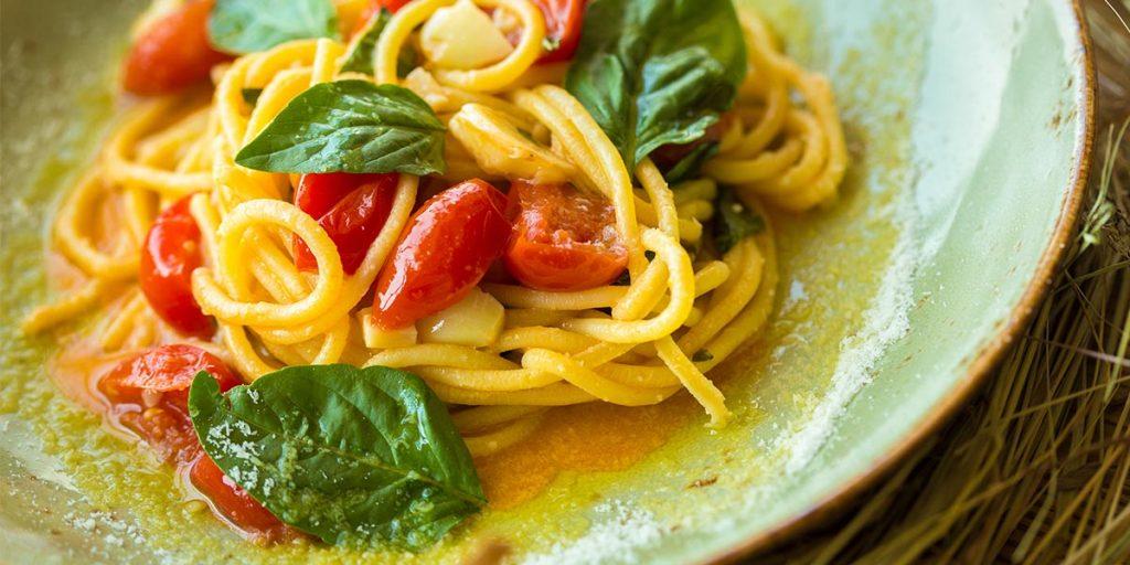 ricetta pici con pomodorino e basilico