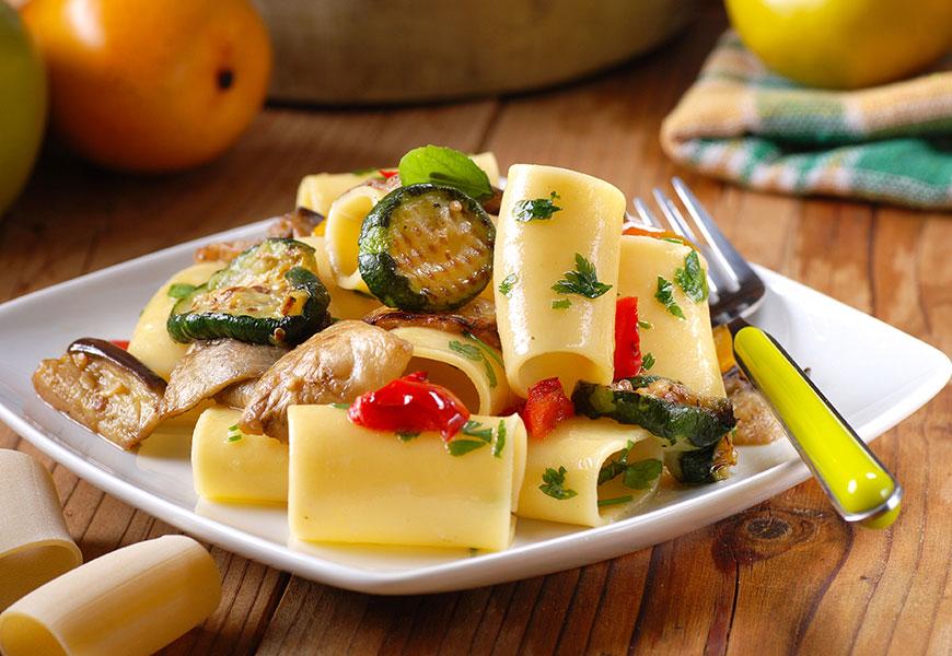 paccheri con pollo e verdure