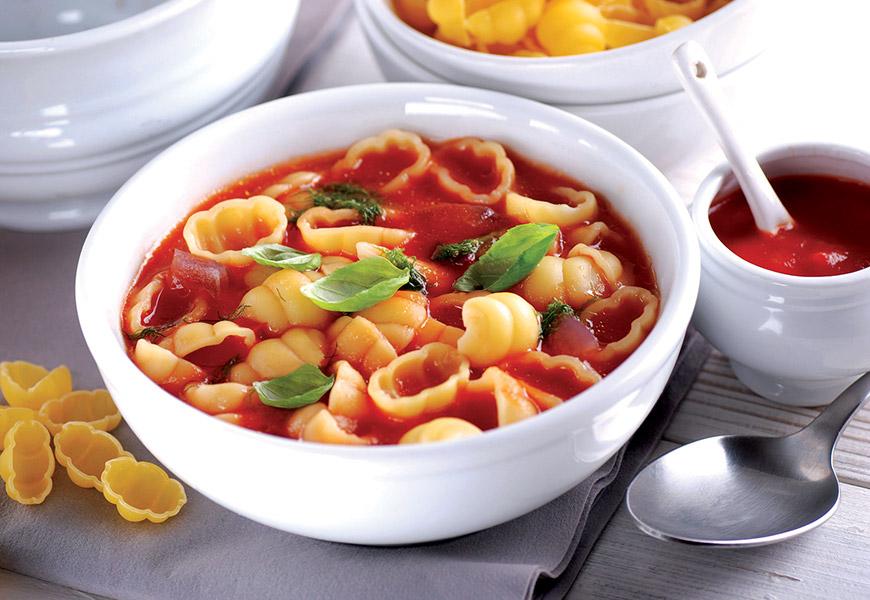 Cestini in zuppa di pomodoro
